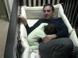 Папа, поспи со мной 5 минуток)))